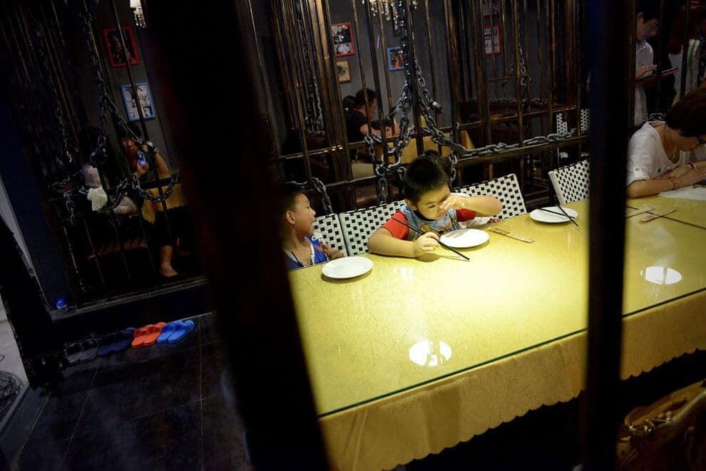 Restaurant-prison, cellule, en Chine, Prison of Fire