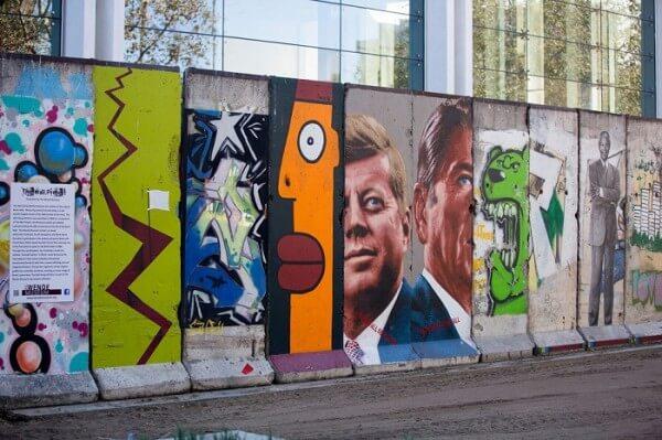 30 morceaux du Mur de Berlin éparpillés dans le monde