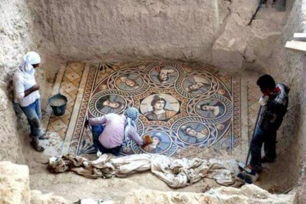 Trois grandes mosaïques de 300 av. J.-C. découvertes en Turquie