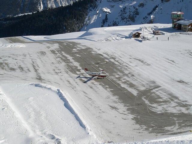Aéroport de Courchevel, neige