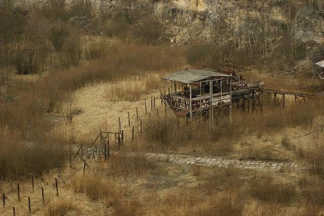 Camp de Plaszow, clôture et pavage, La Liste de Schindler, Cracovie
