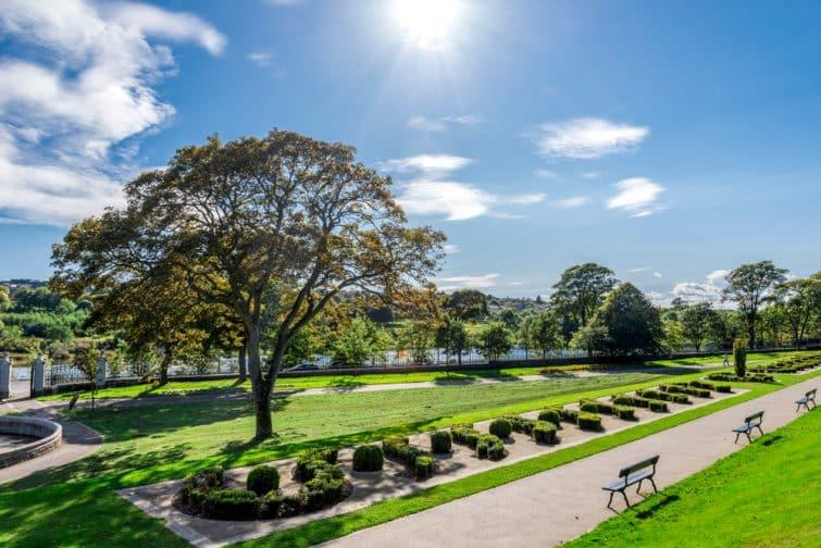 Vue sur Duthie Park et la rivière Dee, Aberdeen