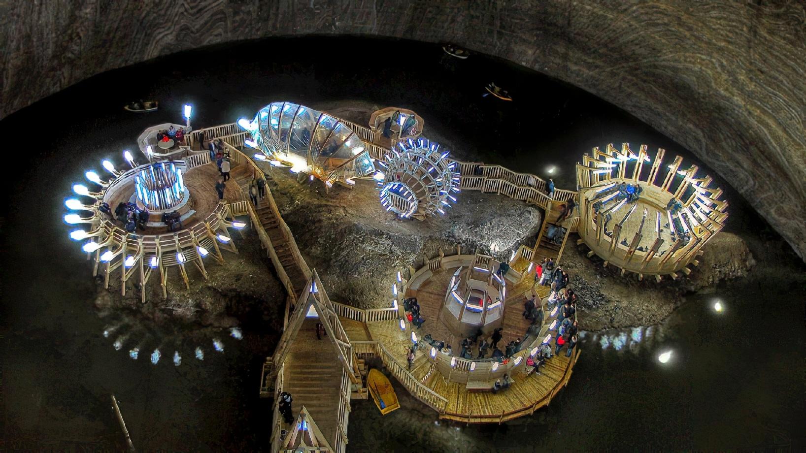La mine de sel de Turda, reconvertie en lieu de loisirs et de santé