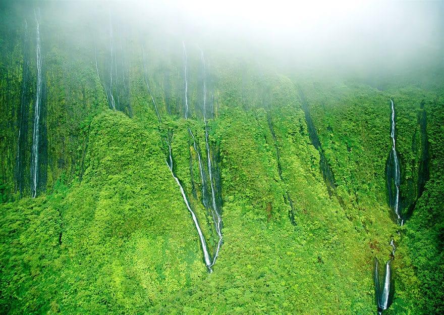 blue hawaiian helicopter kauai with 28 Plus Belles Cascades Chutes Eau Monde on A Birds Eye View Of Paradise Kauai Helicopter Tours as well Big Island Of Hawaii Volcano Adventure Helicopter Tour 5918 97 as well Watch moreover Blue Helicopter likewise Na.