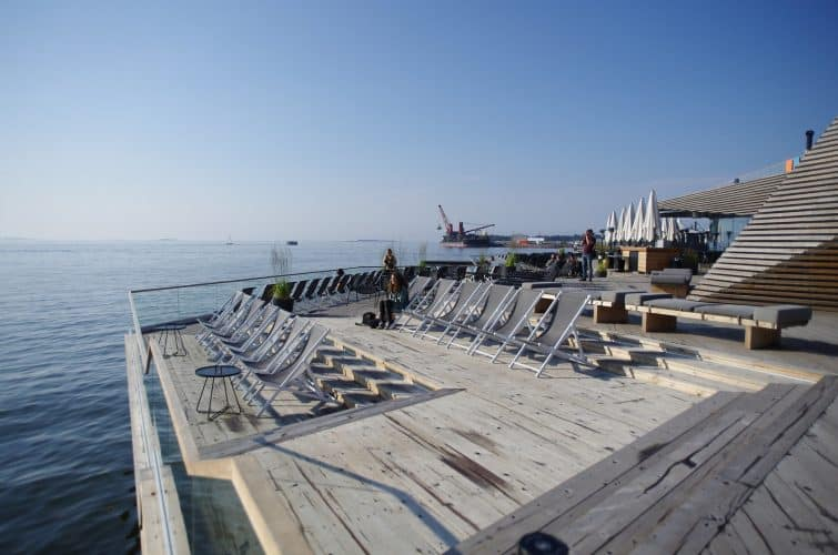 Un sauna d'Helsinki, logé au bord de mer