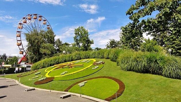 Horloge fleurie dans le Jardin Anglais, Genève
