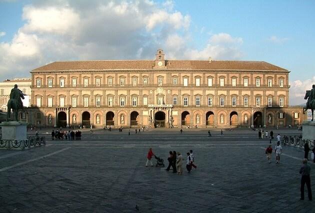 Palais Royal Naples