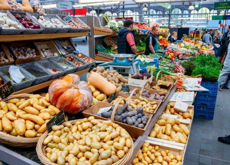 Stand au marché de Wazemmes, Lille