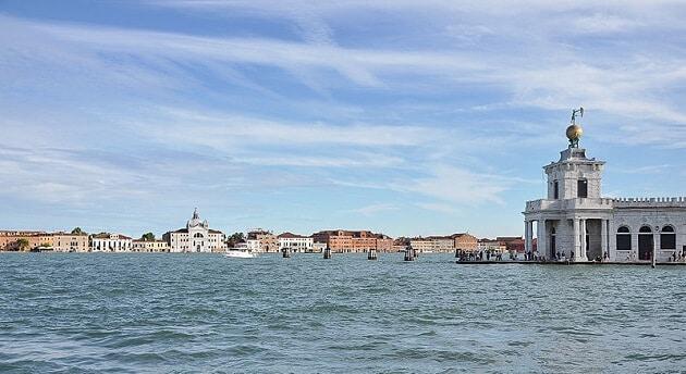Pointe de la Douane, Venise
