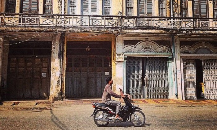 Battambang, Cambodge, Scooter rue, photo principale