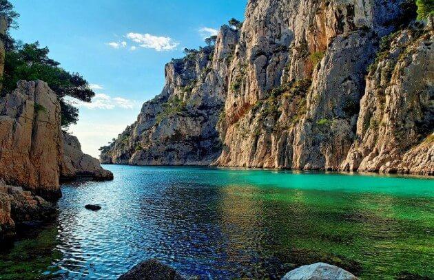 34 lieux pour nager dans les eaux les plus claires au monde