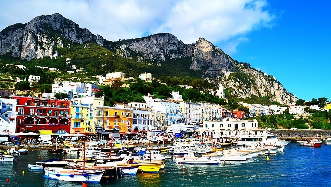 Partez visiter Capri et la grotte bleue pendant une journée depuis Rome