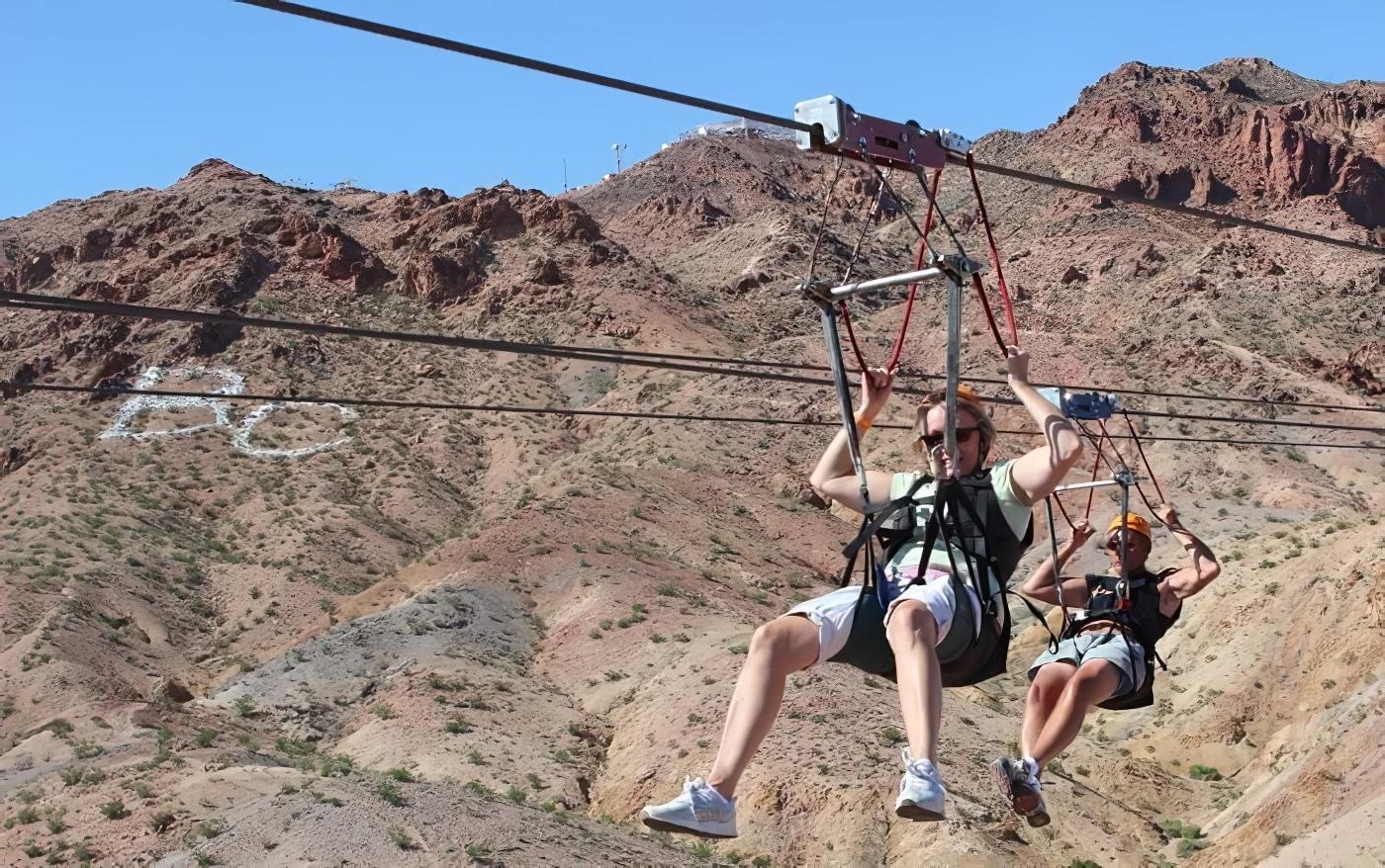 Descendez en tyrolienne le Bootleg Canyon depuis Las Vegas