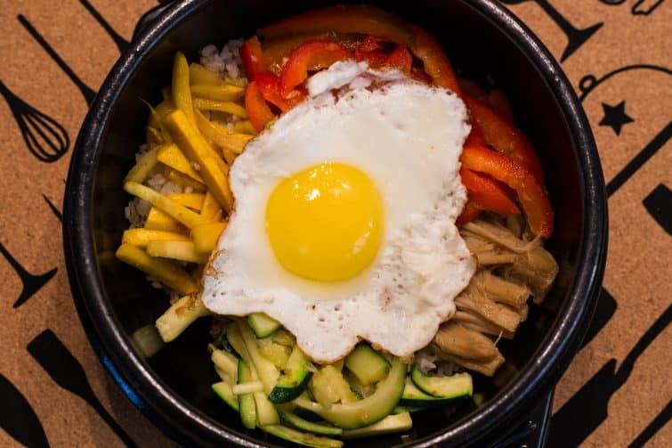 Le bibimbap, l'une des spécialités coréennes les plus connues
