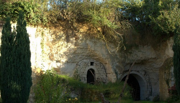 Dormir dans une maison troglodyte en Anjou