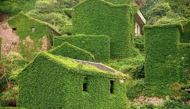 Un village de pêcheurs chinois abandonné et anglouti par la nature