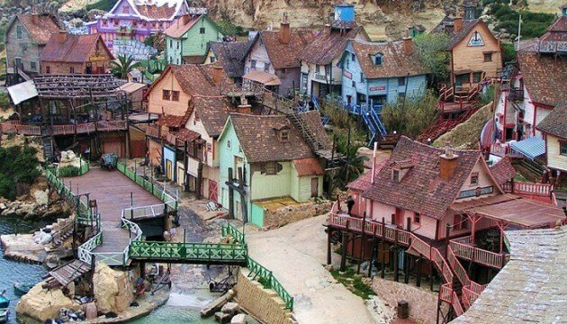 Parc d'attractions: le village de Popeye à Malte