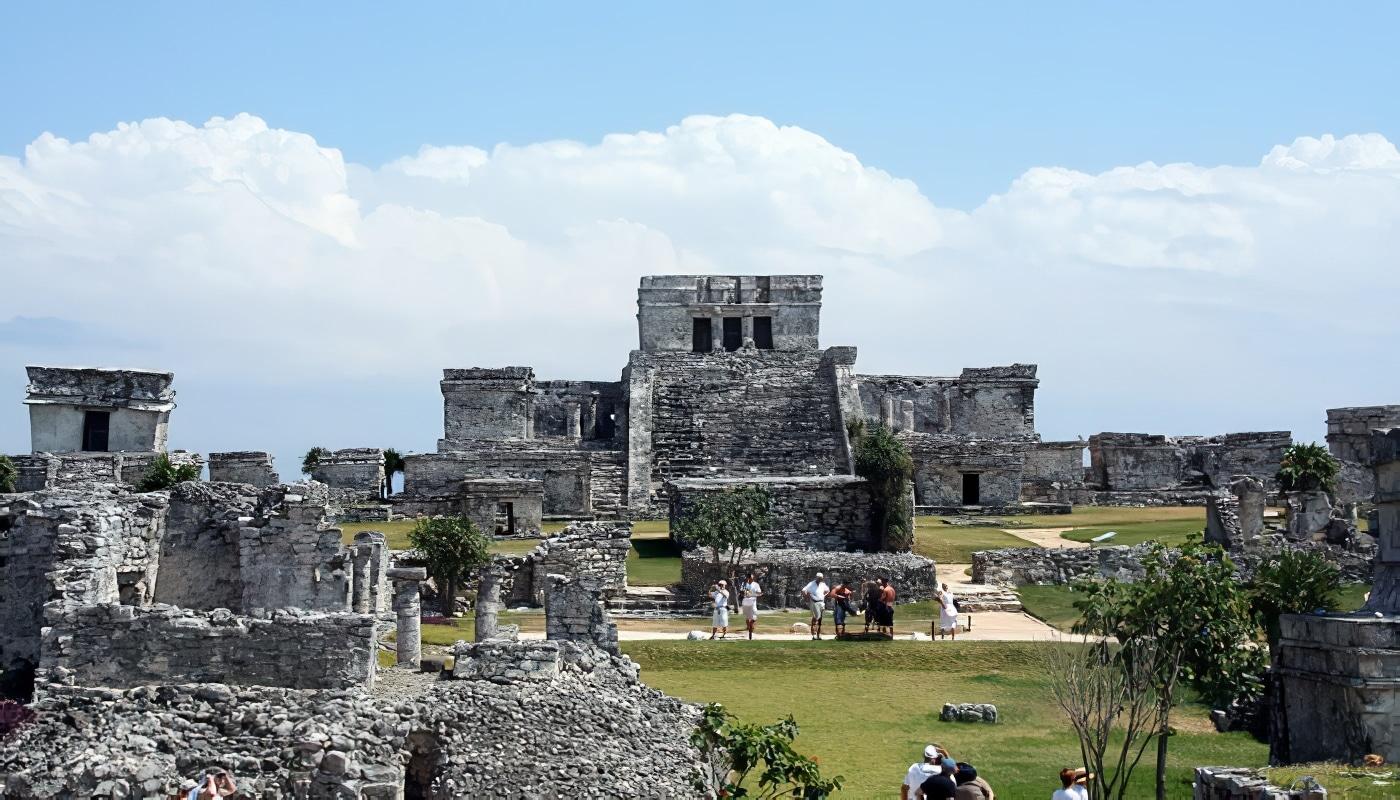 Visite des pyramides de Tulum au Mexique
