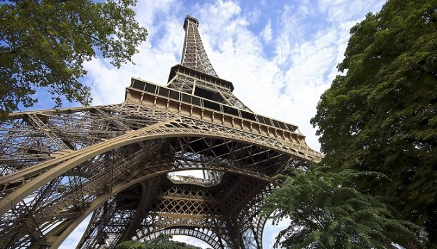 Visitez la Tour Eiffel et ses coulisses avec un comédien