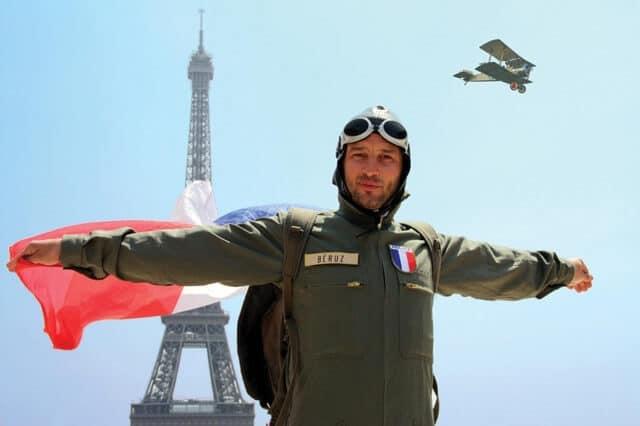 Tour Eiffel, visite avec un comédien