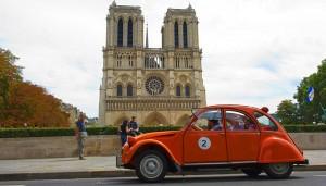 Visite de Paris en 2 CV