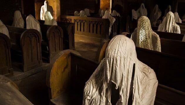 L'Église Saint-Georges en République tchèque et ses statues terrifiantes