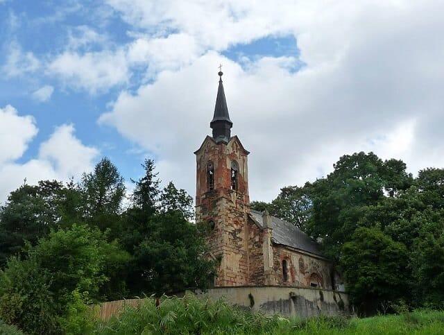 église Saint-Georges de Lukova, statues, République tchèque