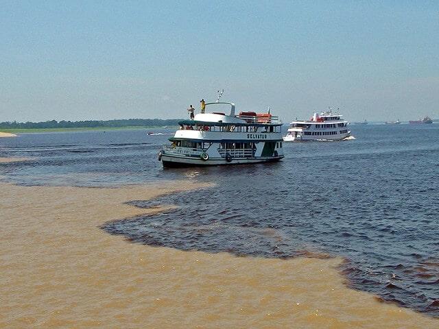 rencontre des eaux Manaus