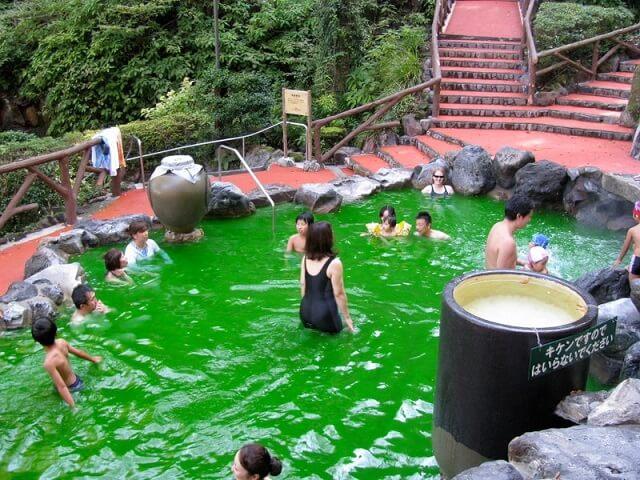 Yunessun spa, Japon, bain vin, café, thé