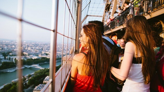 Accès au 2ème étage de la Tour Eiffel avec billet coupe-file