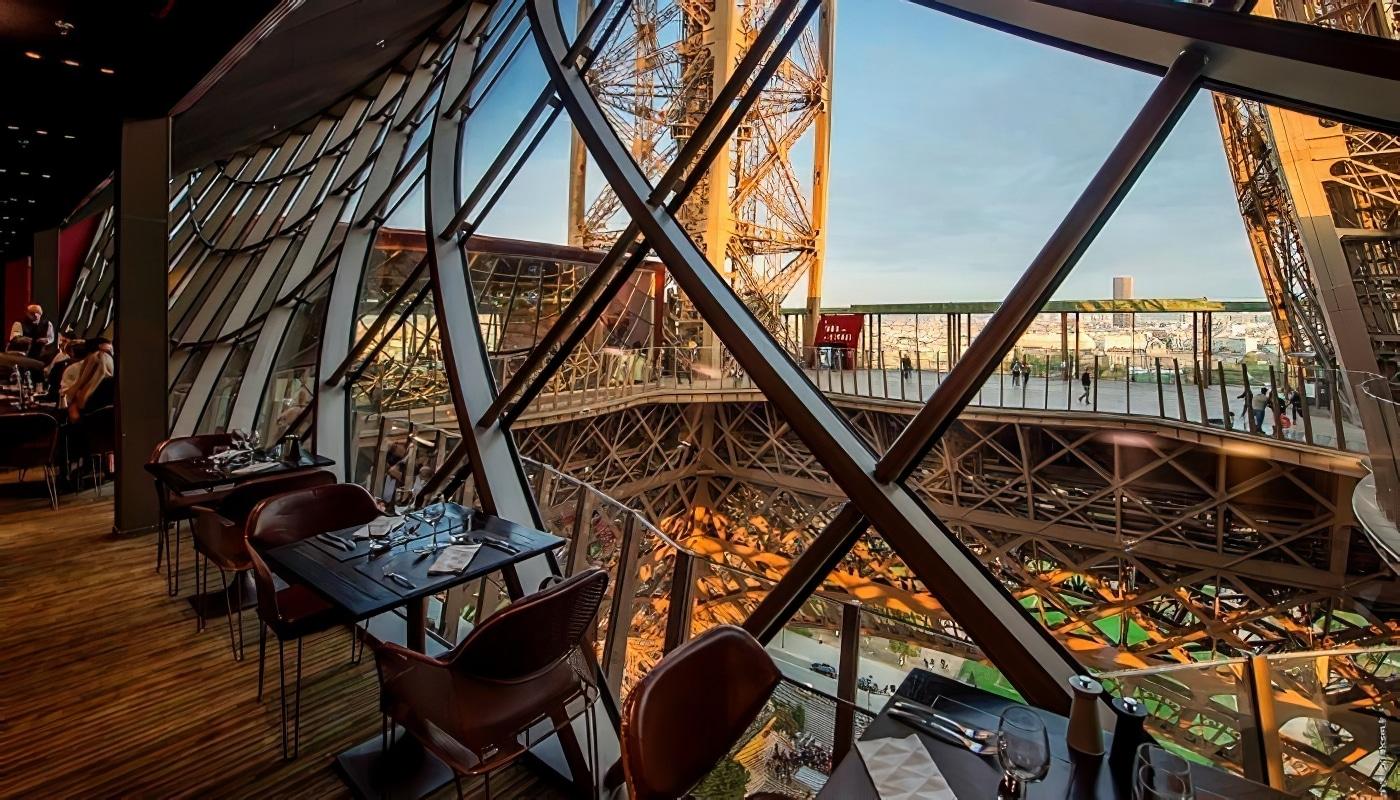 Dnez Au Restaurant 58 Sur La Tour Eiffel