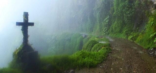 Route de la Mort, Bolivie, croix