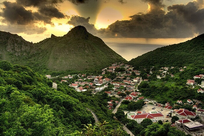Saba, Antilles Néerlandaises, Île dangereuse