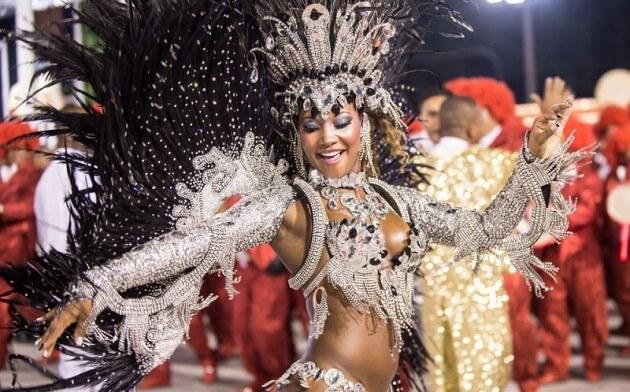 Assistez au défilé du Carnaval de Rio