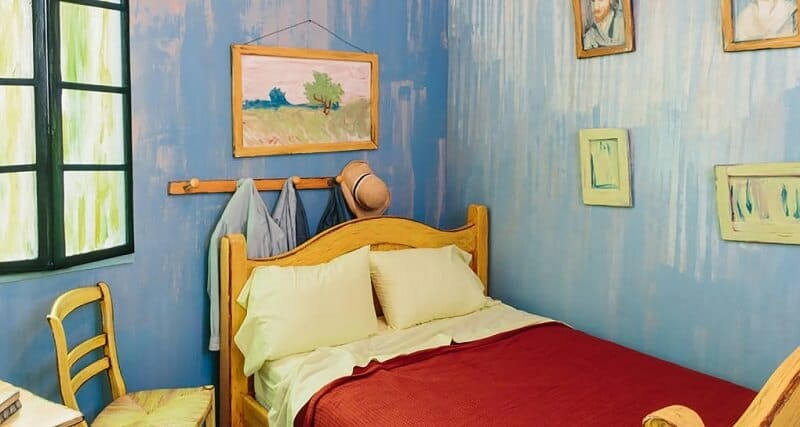 il est maintenant possible de dormir dans un tableau de van gogh. Black Bedroom Furniture Sets. Home Design Ideas