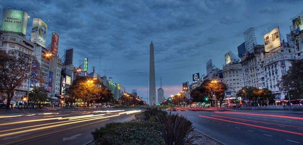 Avenida 9 de Julio, Nuit