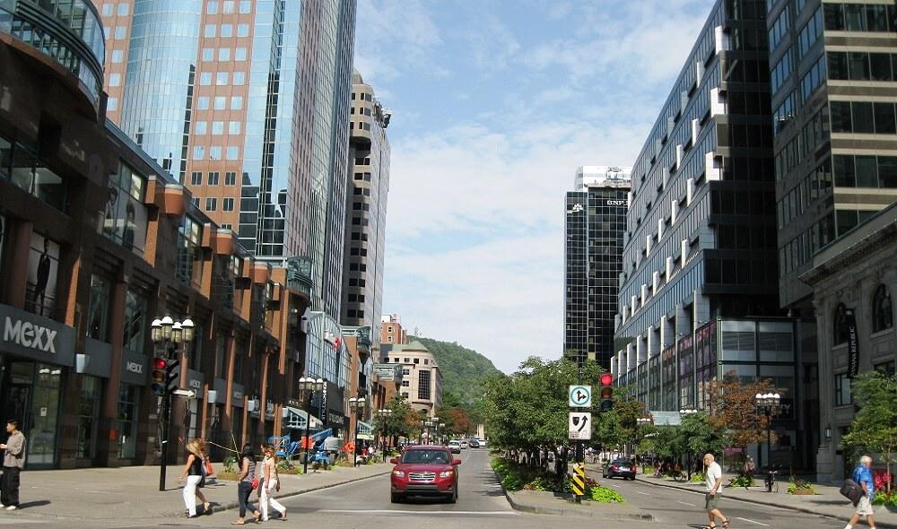 Avenue McGill College, Canada