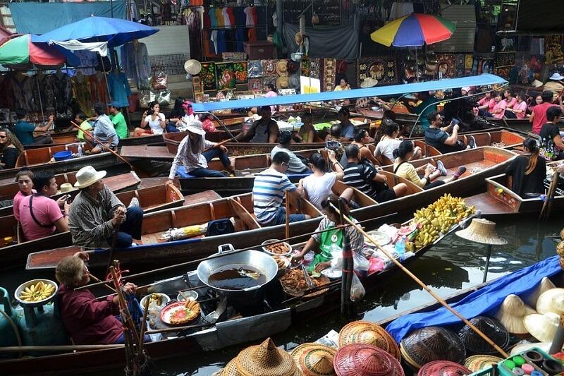 Puces, Bangkok, Barques