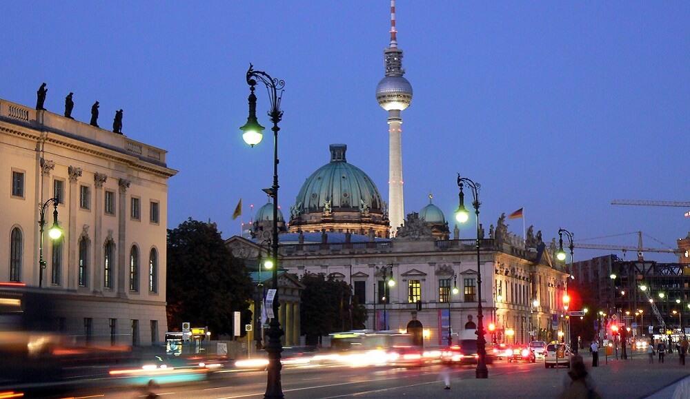 Unter den Linden, Nuit