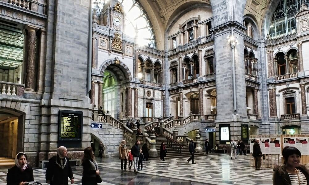Gare d'Anvers-Central, Belgique