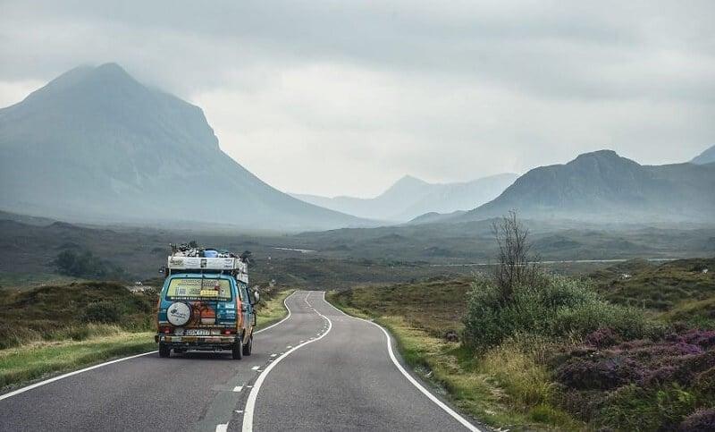 Ils visitent 50 pays à bord d'un van avec 8 dollars par jour