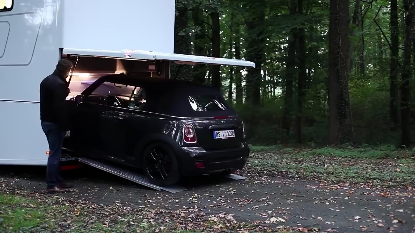 vario mobil le camping car de luxe digne des plus grands. Black Bedroom Furniture Sets. Home Design Ideas