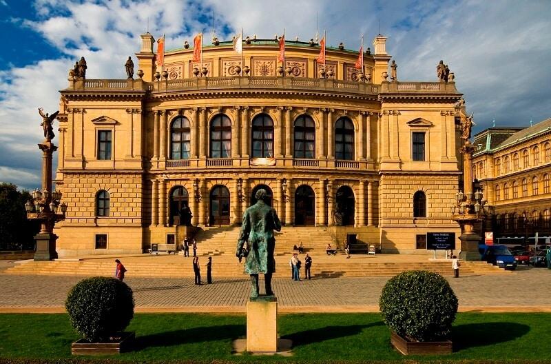 Grand tour Prague