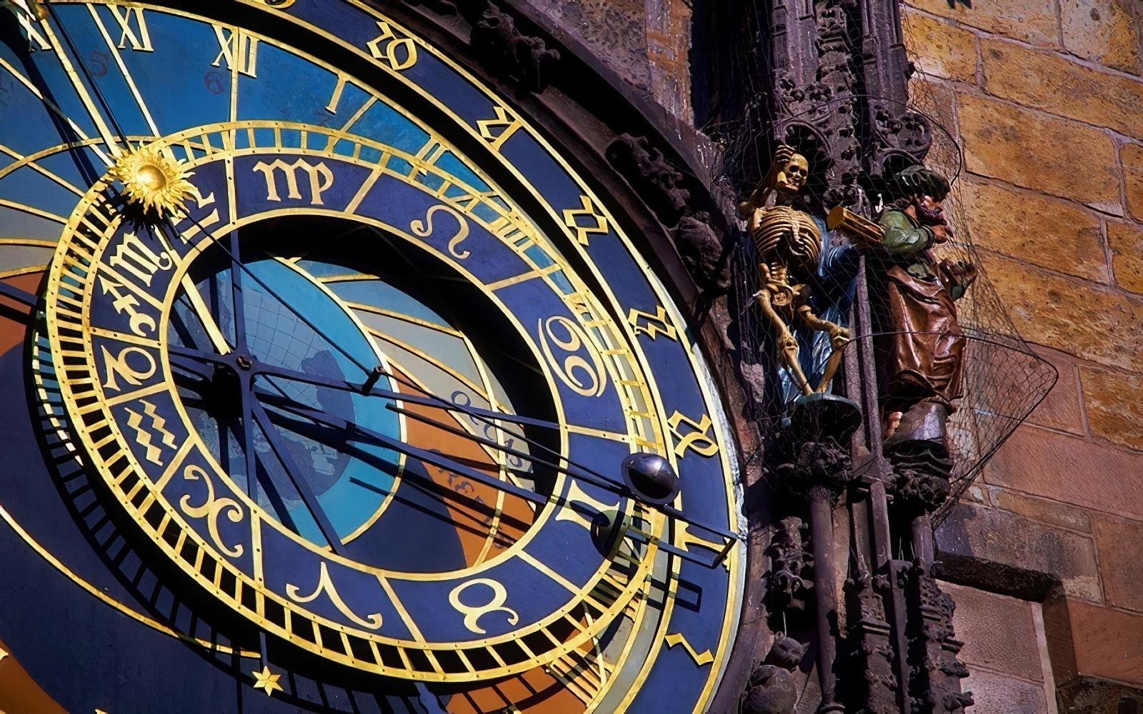 horloge-astronomique-prague-1