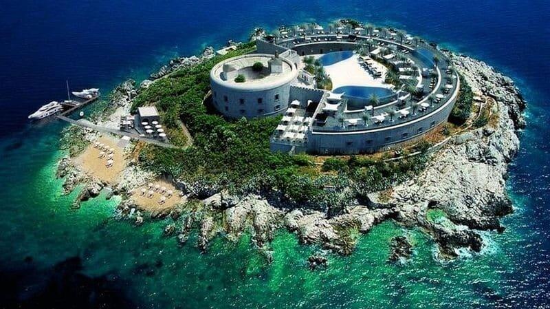 Un ancien camp de concentration sous Mussolini transformé en hôtel de luxe
