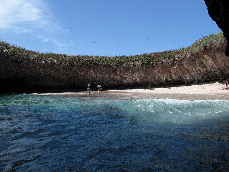 Plage cachée dans les îles Marieta, au Mexique