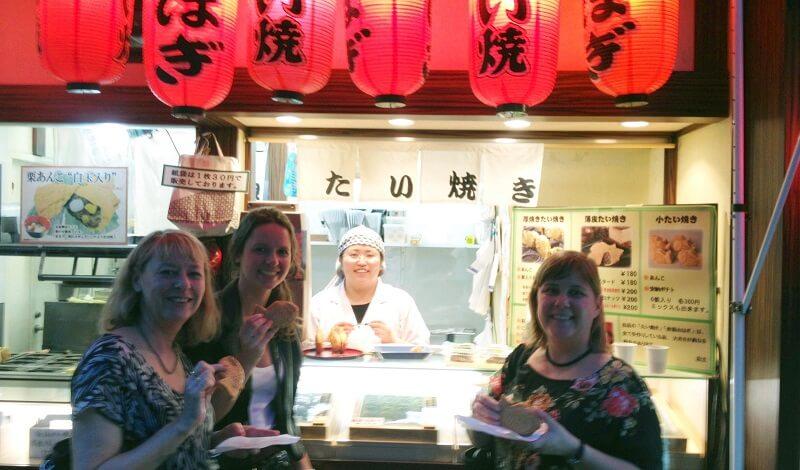 Soirée à Tokyo dans les bars et snacks