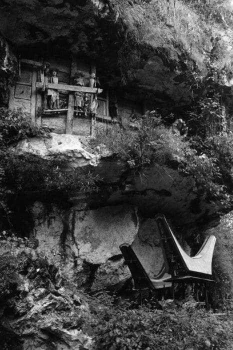 Tombeau, falaise poupées, Torajas