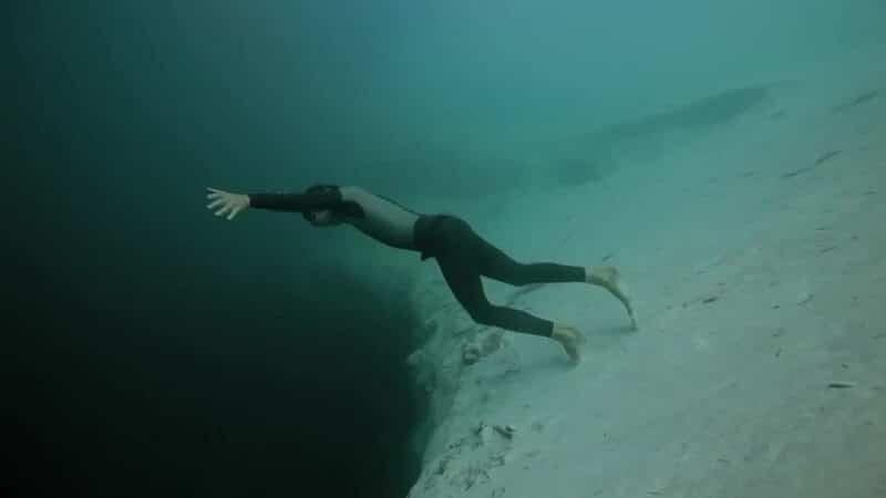 Guillaume Néry, Trou bleu de Dean, aux Bahamas