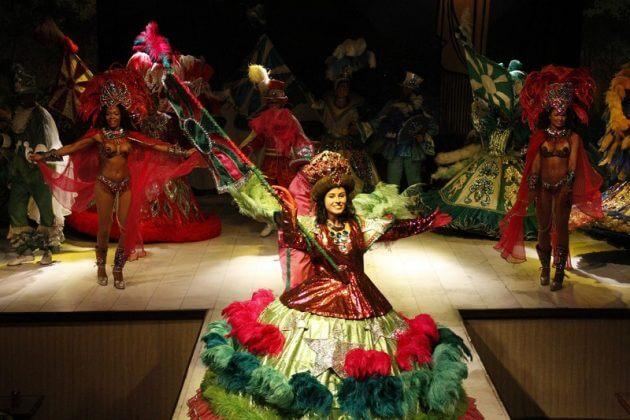 Réservation d'un spectacle de samba à Rio de Janeiro